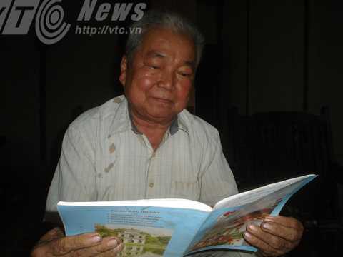 Ông Cảnh đọc di chúc của bố ông dặn rằng phải làm lễ giải bùa cho vợ ông khi ông chết