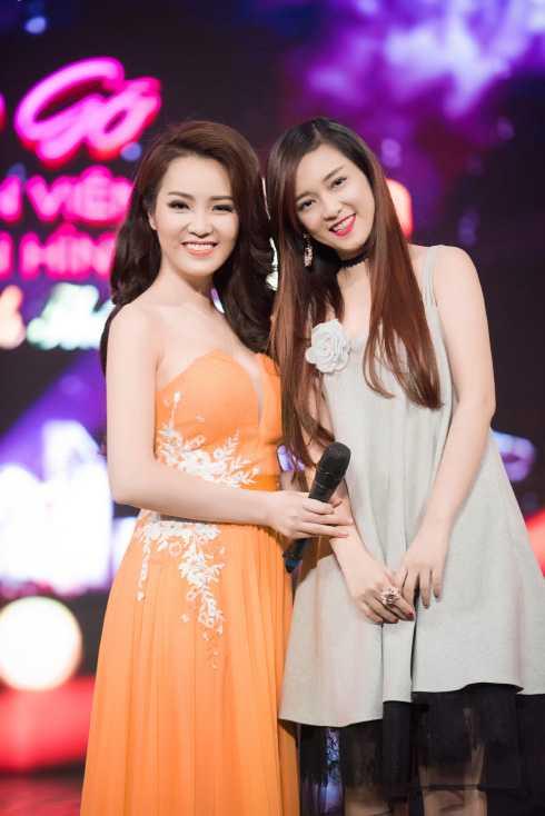 Tham dự buổi ghi hình còn có nữ ca sĩ Đinh Hương.