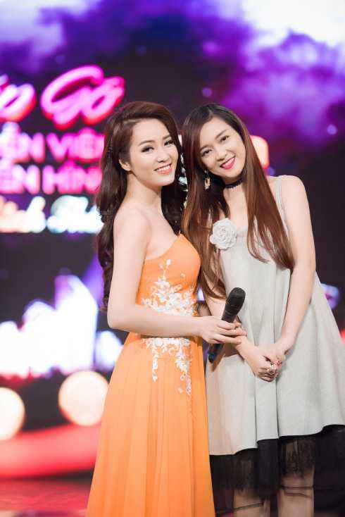 Đinh Hương đọ sắc bên Thụy Vân.