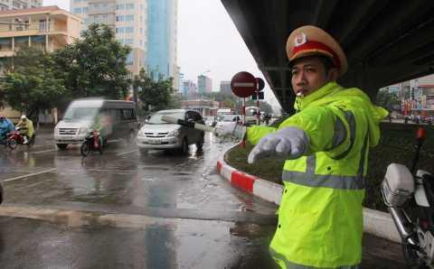 CSGT điều tiết giao thông ở Hà Nội
