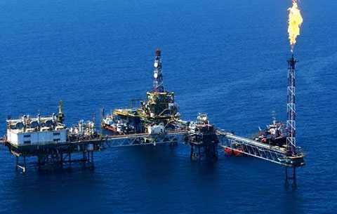 Doanh thu của các công ty dầu khí giảm mạnh vì giá dầu giảm