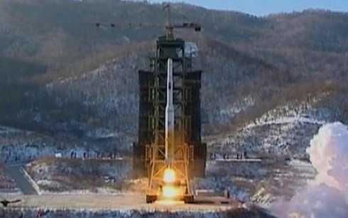 Tên lửa Unha-3 rời bệ phóng