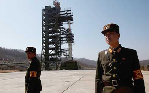 Lính Triều Tiên tại một bãi phóng tên lửa của nước này