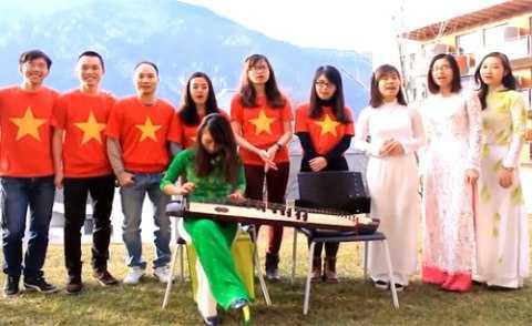 Hàng trăm du học sinh Việt Nam ở 20 quốc gia trên thế giới đã thực hiện video gửi lời chúc Tết tới quê nhà.Ảnh:Chụp màn hình.