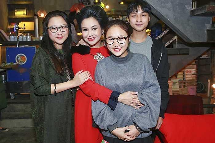 Thanh Lam có ba người con, trong đó hai con gái cô khá khác nhau về sở thích, tính cách, dung nhan.