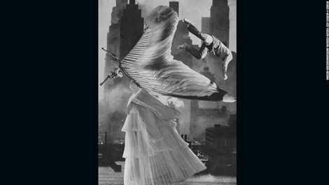 Bức ảnh siêu thực Thiên thần của tác giả Toshiko Okanoue năm 1954