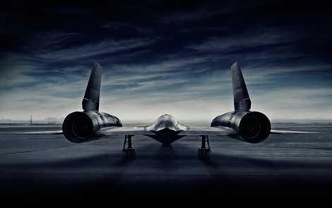 Với nhiệm vụ trinh sát của mình, SR-71 có hình dáng khí động học vô cùng bắt mắt