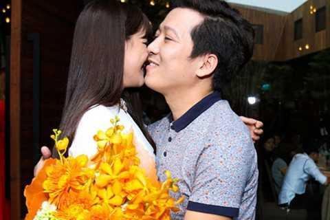Nhã Phương - Trường Giang đang là cặp đôi 'hot' nhất nhì V-biz.