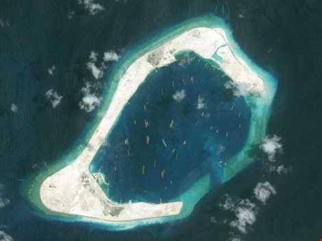 Trung Quốc bồi đắp trái phép đá Xu Bi ở quần đảo Trường Sa của Việt Nam. (Ảnh: Getty Images)
