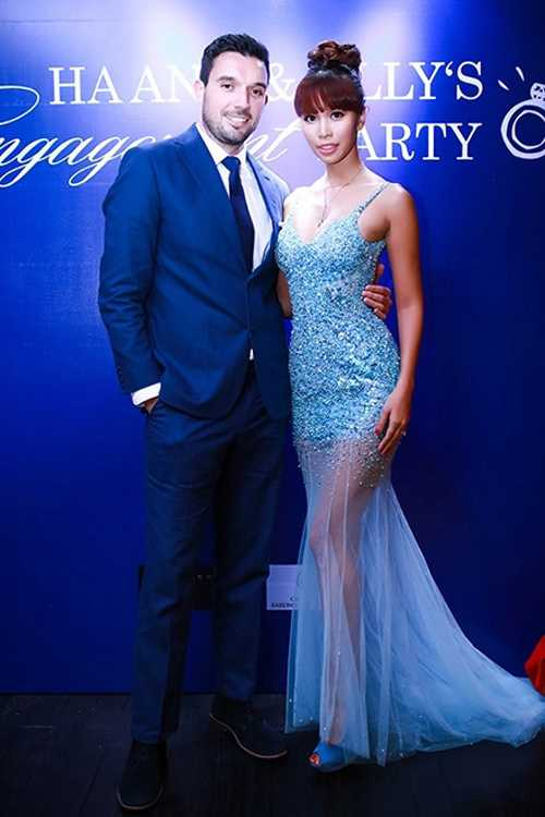 Siêu mẫu Hà Anh và hôn phu Olly Dowden