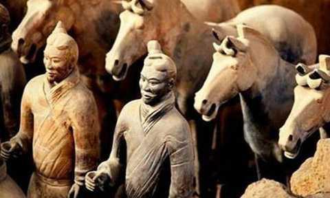 Tượng binh mã trong lăng mộ Tần Thủy Hoàng.
