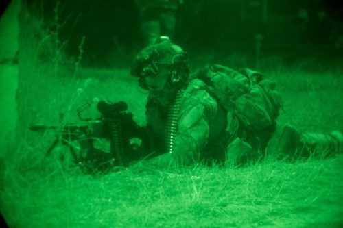Kính nhìn đêm sẽ được trang bị phổ biến cho binh sỹ quân đội Mỹ vào năm 2016. Kính cung cấp cho binh sỹ khả năng phát hiện tín hiệu nhiệt trên một khu vực rộng lớn hơn.