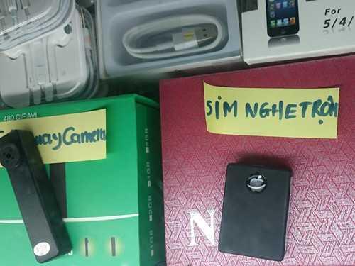 Các thiết bị gián điệp được bày bán rất nhiều ở chợ vùng biên - Ảnh: Nam Anh