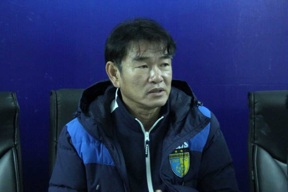 HLV Phan Thanh Hùng chia tay Hà Nội T&T vì lý do gia đình. (Ảnh: Vân Hà)