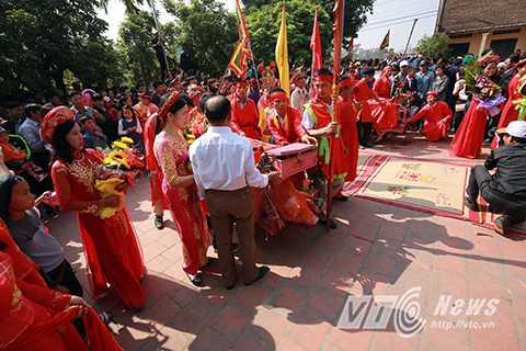 Tuy nhiên, do tính chất bạo lực và ghê rợn của lễ hội này, Sở Văn hoá Thể thao và Du lịch tỉnh Bắc Ninh đã có công văn gửi Ban tổ chức lễ hội làng Ném Thượng về quy trình tổ chức.