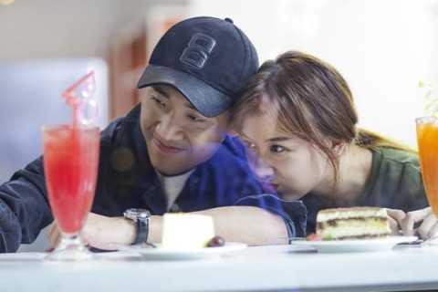 Nhiều người không khỏi shock trước thông tin Trấn Thành và Hari Won hẹn hò. Ảnh: Đoàn phim cung cấp