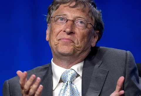Bill Gates - sinh năm 1955: Cuộc đời và sự nghiệp của Tỷ phú số một thế giới chính là bài học lớn dành cho mọi thế hệ đi sau phấn đấu và noi theo. Hiện nay, tỷ phú người Mỹ đang tận hưởng cuộc sống với khối tài sản gần 80 tỷ USD và cùng vợ mình - Melinda đi khắp thế giới tham gia vào các hoạt động từ thiện