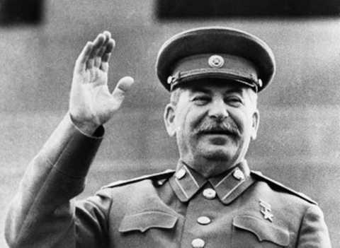 """Joseph Stalin (1878-1953) - nói về Joseph Stalin, giáo sư sử học George O. Liber từ Đại học Alabama cho biết """"Ông ấy có quyền lực rất lớn, và quyền lực đó có thể mang tới cho ông ấy bất kỳ điều gì ông ấy muốn.Ông ấy kiểm soát 1/6 diện tích đất liền trên thế giới"""""""