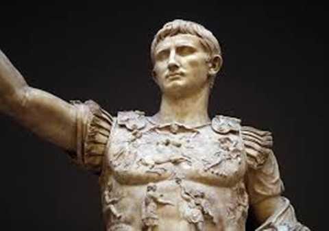 """Augustus Caesar (63 TCN-14 SCN) - Hoàng đế La Mã có cho mình một đế chế hùng mạnh hàng đầu thế giới - thậm chí đạt tới 25% sản lượng kinh tế toàn cầu. Người ta còn đồi thổi rằng có những thời điểm Augustus đã """"sở hữu toàn bộ Ai Cập."""""""