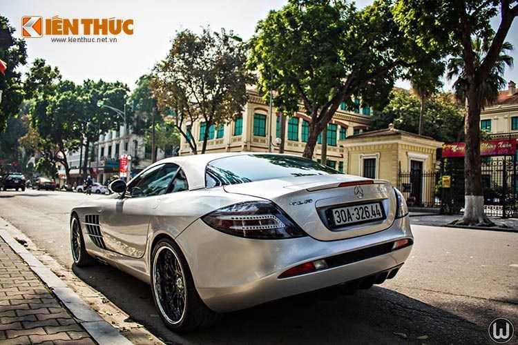 Xuất hiện lần đầu tiên trên thế giới tại triển lãm xe Frankfurt (Đức). Siêu xe này là sản phẩm của sự kết hợp hài hòa giữa những đường nét sang trọng từ Mercedes-Benz và sự mạnh mẽ trong thiết kế của McLaren.