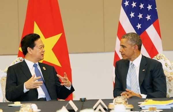 Thủ tướng Nguyễn Tấn Dũng gặp chính thức Tổng thống Mỹ Barack Obama, bên lề Hội nghị Cấp cao ASEAN lần thứ 25 và các hội nghị liên quan
