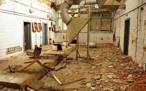Khu bếp ăn bỏ hoang