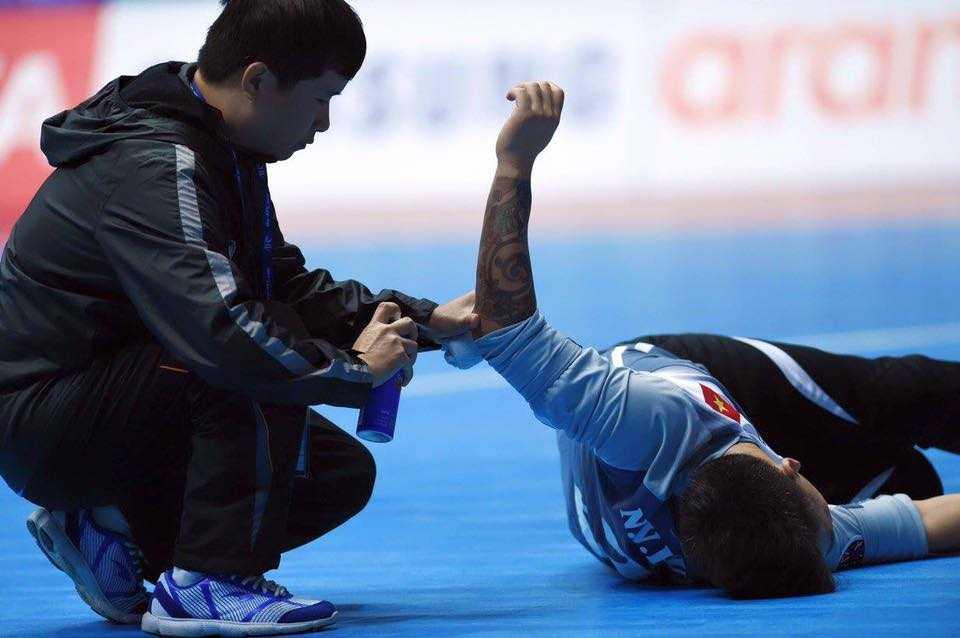 Hơi tiếc khi Futsal VN hụt ngôi đầu bảng