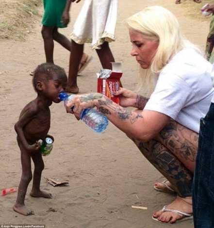 Anja Ringgren Loven tìm thấy Hope trên đường phố Nigeria