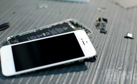 iPhone sửa lỗi tương tự ở các cửa hàng hoặc trung tâm bảo hành Apple chính hãng thì vẫn tiếp tục chạy tốt.