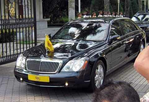 Malaysia – Maybach 62 394.000 USD. Theo báo chí quốc tế, Malaysia trang bị hầu hết các thiết bị công nghệ đảm bảo an toàn tối tân nhất thế giới trên chiếc limousine này