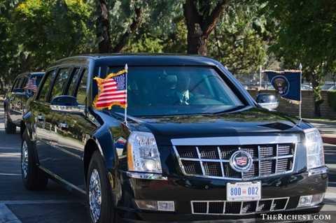 Hoa Kỳ - Cadillac One 1.500.000 USD. 80 năm trở lại đây, các đời Tổng thống Mỹ luôn sử dụng phiên bản Cadillac One này để làm phương tiện di chuyển. Điều đặc biệt trong chiếc xe này là nó luôn có sẵn mẫu máu của Tổng thống để sẵn sàng cấp cứu trong điều kiện nguy hiểm nhất