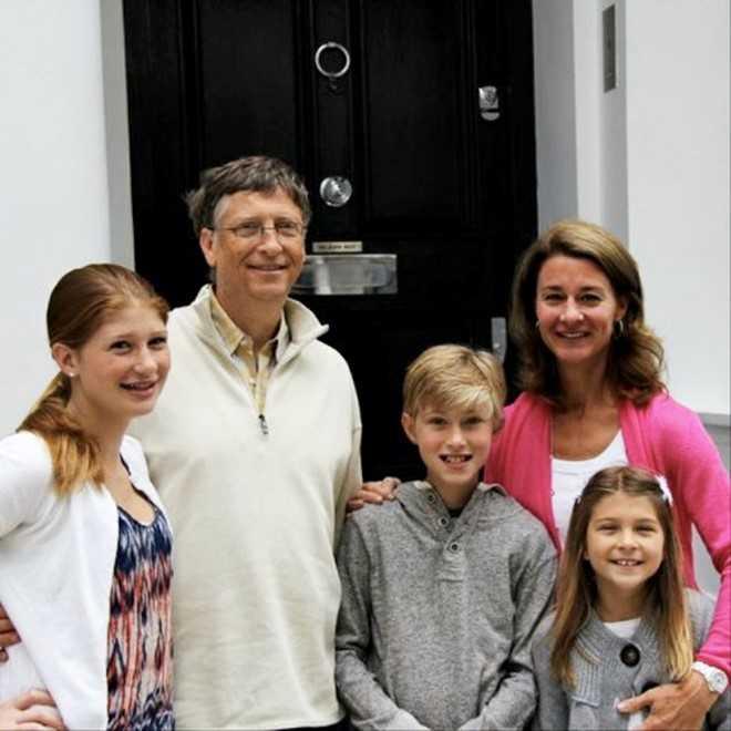 Ba con của Bill Gates đều học tại trường tư thục danh giá nhất Seattle. Ảnh: Billgatesandfriends.com.