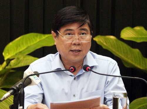 Chủ tịch UBND TP.HCM Nguyễn Thành Phong phát biểu chỉ đạo các sở ngành, quận huyện sáng 18/2. Ảnh: Trung Sơn