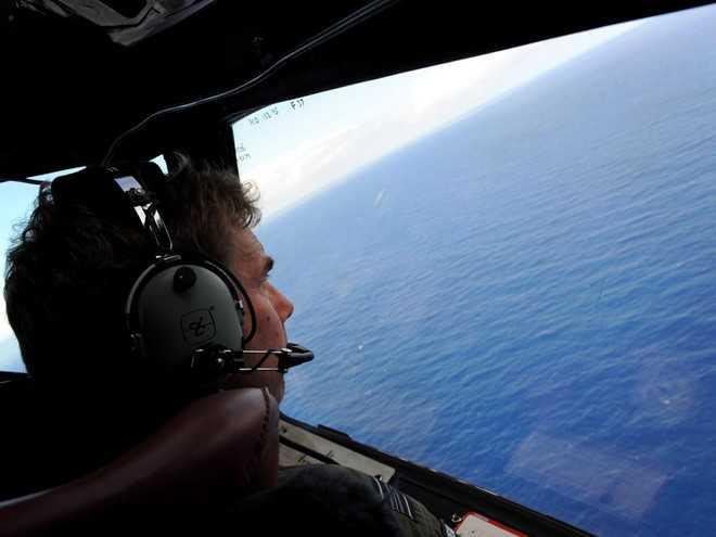 Một phi công tìm tung tích chuyến bay MH370 trên Ấn Độ Dương