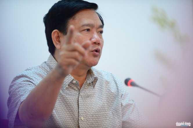 Bí thư Thành ủy TP.HCM Đinh La Thăng chỉ đạo tại cuộc họp với lãnh đạo huyện Củ Chi sáng 18/2 - Ảnh: Thuận Thắng