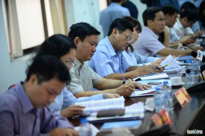 Bí thư Thành ủy TP.HCM Đinh La Thăng cùng lãnh đạo thành phố làm việc với huyện Củ Chi sáng 18/2 - Ảnh: Thuận Thắng