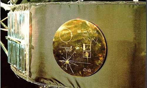 Chiếc đĩa đồng mạ vàng lưu giữ thông tin về nền văn minh Trái Đất gửi cho người ngoài hành tinh của NASA.