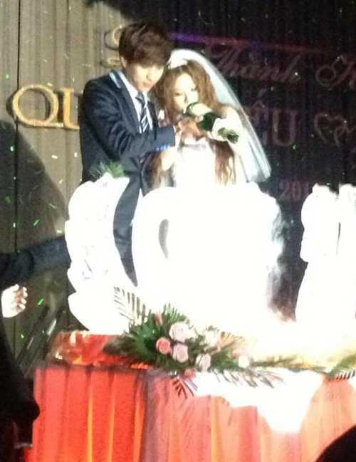 Ảnh cưới Hồ Quang Hiếu, Ivy bị rò rỉ trên mạng.