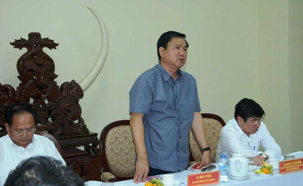 Bí thư Đinh La Thăng làm việc với ban lãnh đạo Công an TP.HCM