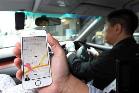 Uber và Didi Kuaidi là hai đối thủ kỳ phùng trên thị trường công nghệ kết nối vận tải tại Trung Quốc