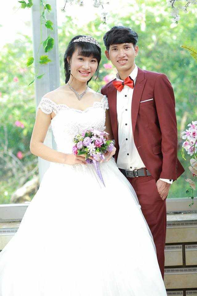 Ảnh cưới của đôi vợ chồng trẻ ở Nghệ An. Ảnh: NVCC.