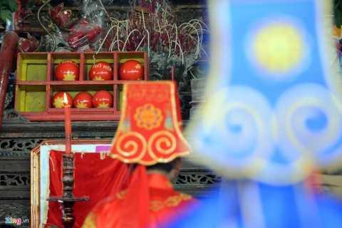 Chiều 20/2 (13 tháng Giêng âm lịch) lễ hội cướp phết làng Hiền Quan (tỉnh Phú Thọ) thu hút đông đảo du khách và người dân địa phương về dự. Lễ hội này hàng năm được tổ chức để tưởng nhớ và tôn vinh công lao của nữ tướng Thiều Hoa công chúa - Đức Thánh mẫu Đại vương, người giúp Hai Bà Trưng đánh giặc cứu nước.