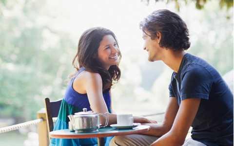 Đi chơi riêng là một cách tuyệt vời để nối gần khoảng cách giữa hai người. Ảnh minh họa