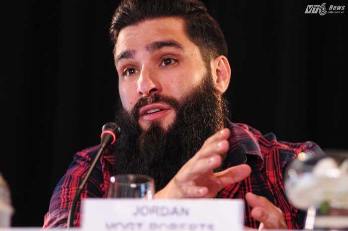 Đạo diễn Jordan Vogt-Roberts hào hứng chia sẻ về bộ phim - Ảnh: Tùng Đinh