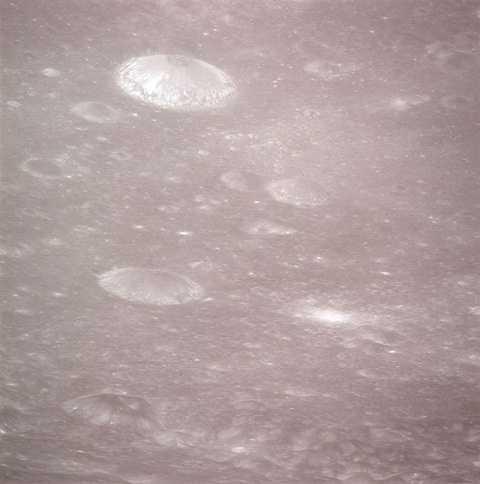 Cấu trúc được cho là của người ngoài hành tinh được Apollo chụp lại