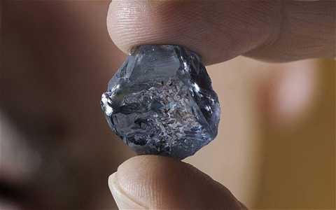 Mỏ Cullinan đã khai thác được hàng   trăm viên kim cương lớn và nổi tiếng với việc tìm thấy kim cương xanh.   Nổi bật phải kể đến viên kim cương xanh cực kì quý hiếm nặng 29,6 carat   được phát hiện đầu năm 2014.