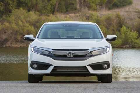 Honda Civic 2016 phiên bản Đông Nam Á có giá từ 20.100 USD cho phiên bản thấp nhất 1.8 MT