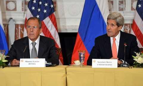Ngoại trưởng Nga Sergey Lavrov (trái) và người đồng cấp Mỹ John Kerry. Ảnh: U.S. Department of State