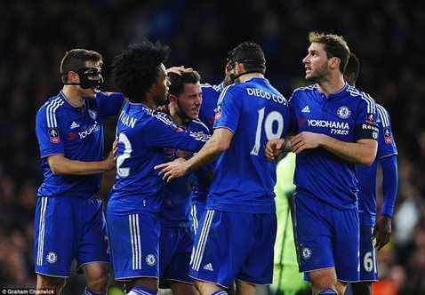 Chelsea vùi dập Man City
