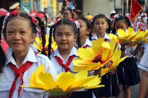 Đây cũng là Lễ hội đón mừng đêm trăng tròn đầu tiên trong năm, đồng thời cũng là hoạt động để kết thúc những ngày vui tết theo tập quán của người Hoa.